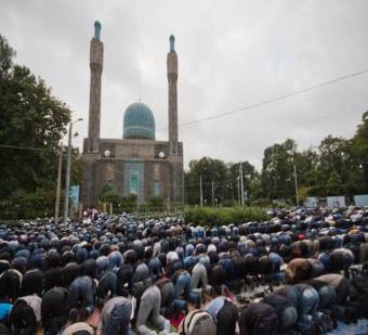 Muslim di Belanda, Boleh Mengumandangkan Adzan di Masjid-Masjid